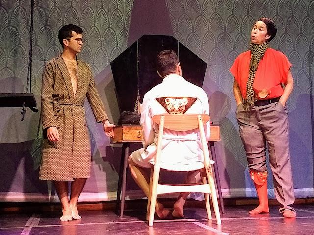 La maestra Laura García, en el rol de Greta, el travesti, otro de los grandes atractivos de la puesta en escena. Foto: La Pluma & La Herida