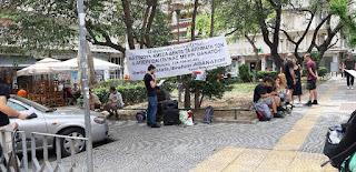 14 Mayıs Perşembe günü Selanik Türkiye konsolosluğu önünde sürmekte olan ölüm oruçlarıyla dayanışma eylemi yapıldı.
