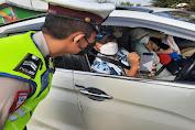Antisipasi Kerumunan, Polda Banten Lakukan Penyekatan Menuju Pantai Anyer Hingga Carita
