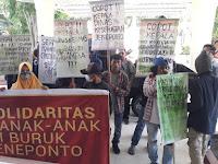 JARAK Unjuk Rasa Soal Gizi Buruk Kabupaten Jeneponto di Depan Kantor DPRD