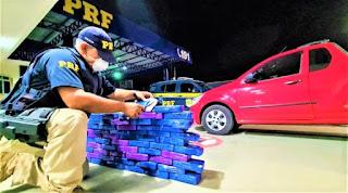 Casal de traficantes é preso na BR-116 transportando quase 62 Kg de cocaína