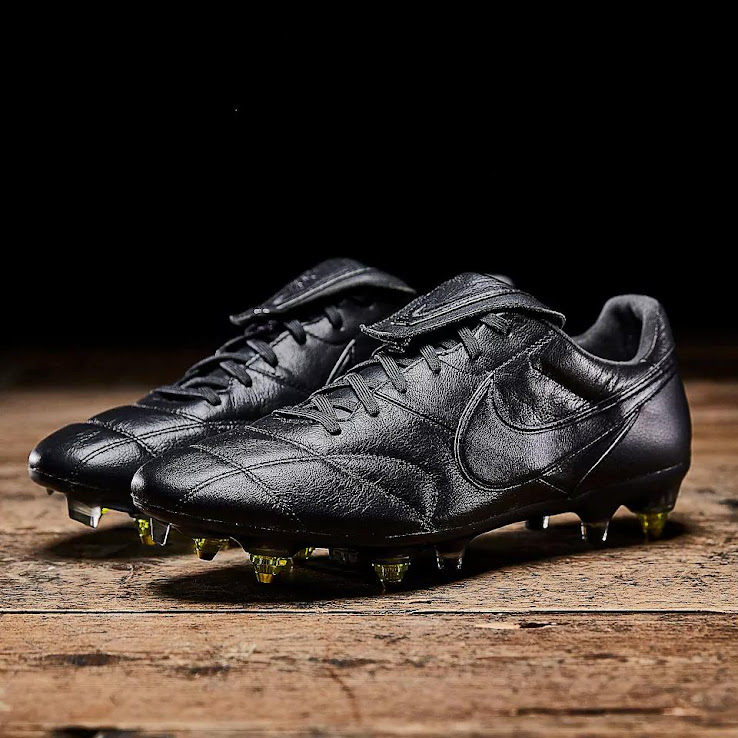 purchase cheap 0e2e2 4f160 Blackout Nike Premier 2 Anti-Clog Boots Released - Footy Headlines
