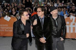 Bono, Edge y Davis en el Festival de Toronto en 2011