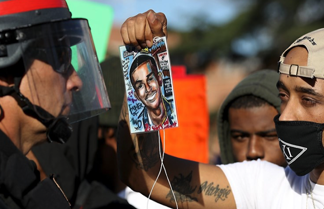 Why did Sacramento officers who shot Stephon Clark mute their bodycams?