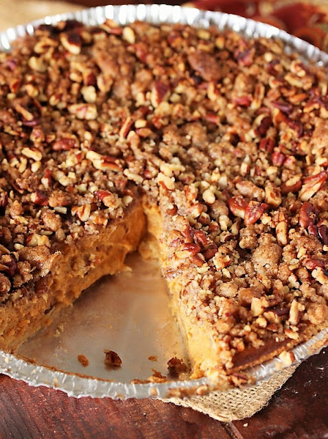 Pumpkin Pie with Streusel Topping Image