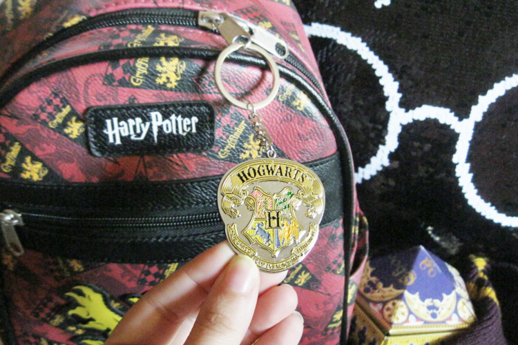 Cousin DIY Harry Potter Keychain Hogwarts