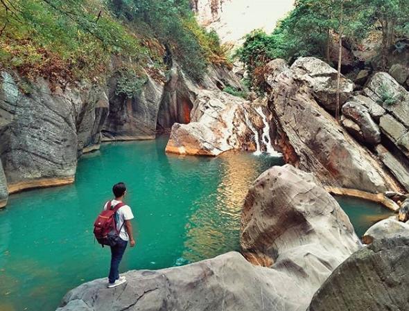 Wisata Alam Sanghyang Heuleut Tempat Mandinya Bidadari
