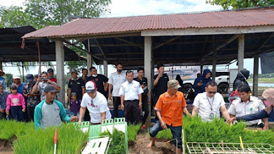 Pemkab Pasbar Komit Sejahterakan Petani