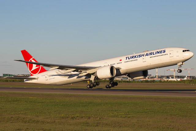 Turkish Airlines TC-JJS Boeing 777-300ER