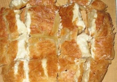 Μπουγάτσα με τυρί Θεσσαλονίκης