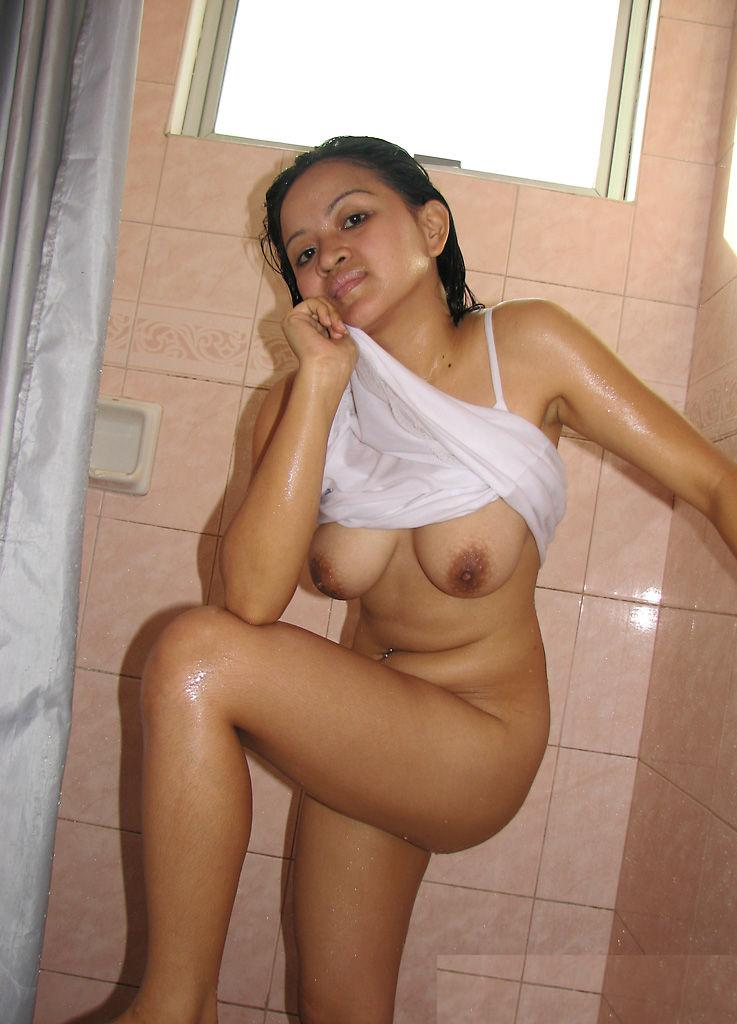 porn-www-indian-sexy-girls-possing-toilet-hardcore
