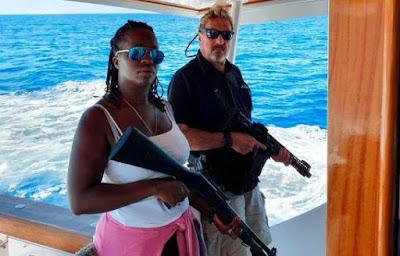 Jhon McAfee amenaza a las autoridades de la República Dominicana