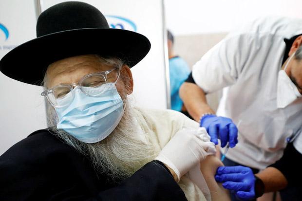 240 Warga Israel Positif COVID-19 Usai Disuntik Vaksin