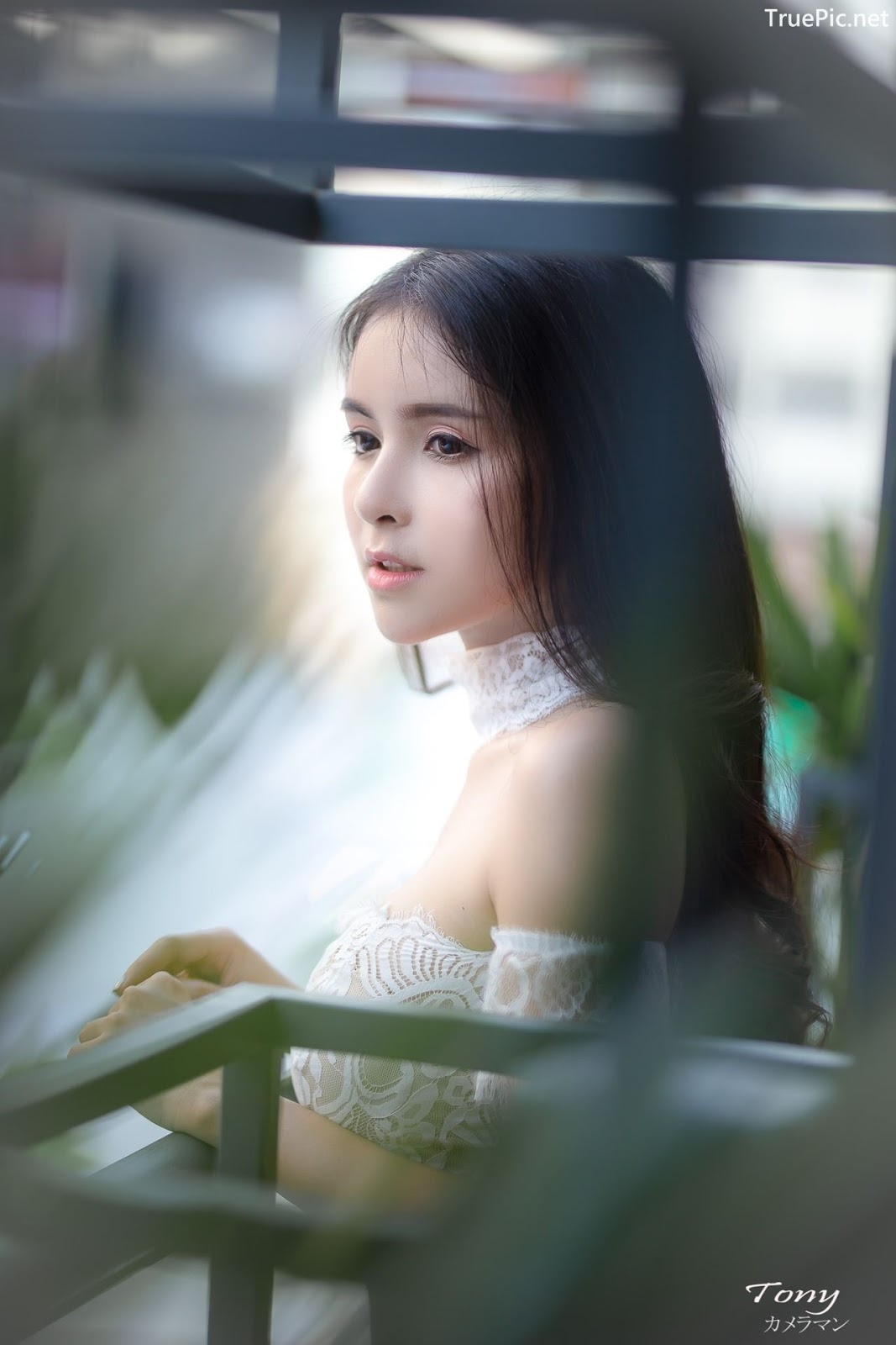 Image-Thailand-Beautiful-Model-Soithip-Palwongpaisal-Transparent-Lace-Crop-Top-And-Jean-TruePic.net- Picture-4