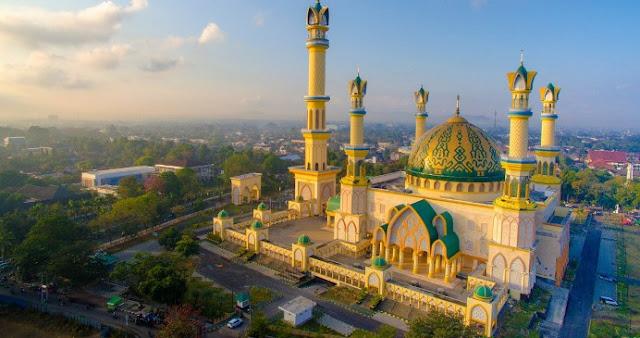 Lombok Pulau Seribu Masjid