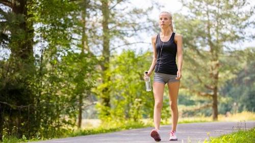 Ketahui Manfaat Jalan Kaki Bagi Perempuan, dari Menyehatkan Jantung, Tulang, Sampai Tingkatkan Imun Tubuh