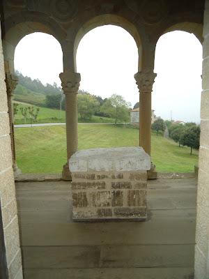 Vista mirador hacia el este SANTA MARÍA DEL NARANCO PRERROMÁNICO EN ASTURIAS ROMÁNICO EN EL CAMINO DEL SALVADOR