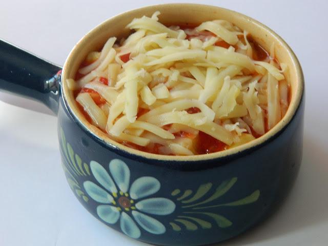 Vinete cu mozzarella in sos de rosii