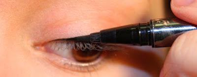 use liqued eyeliner