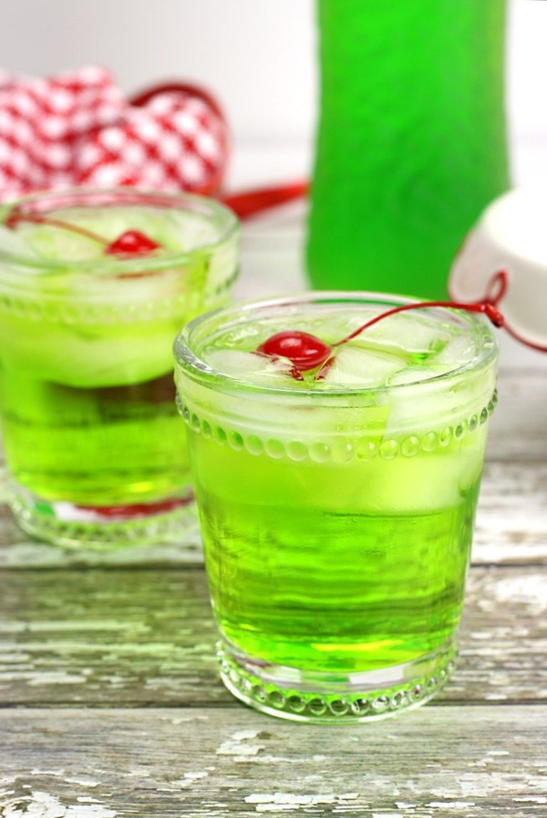 THE GRINCH COCKTAIL #drink #cocktail #sangria #summer #yummy
