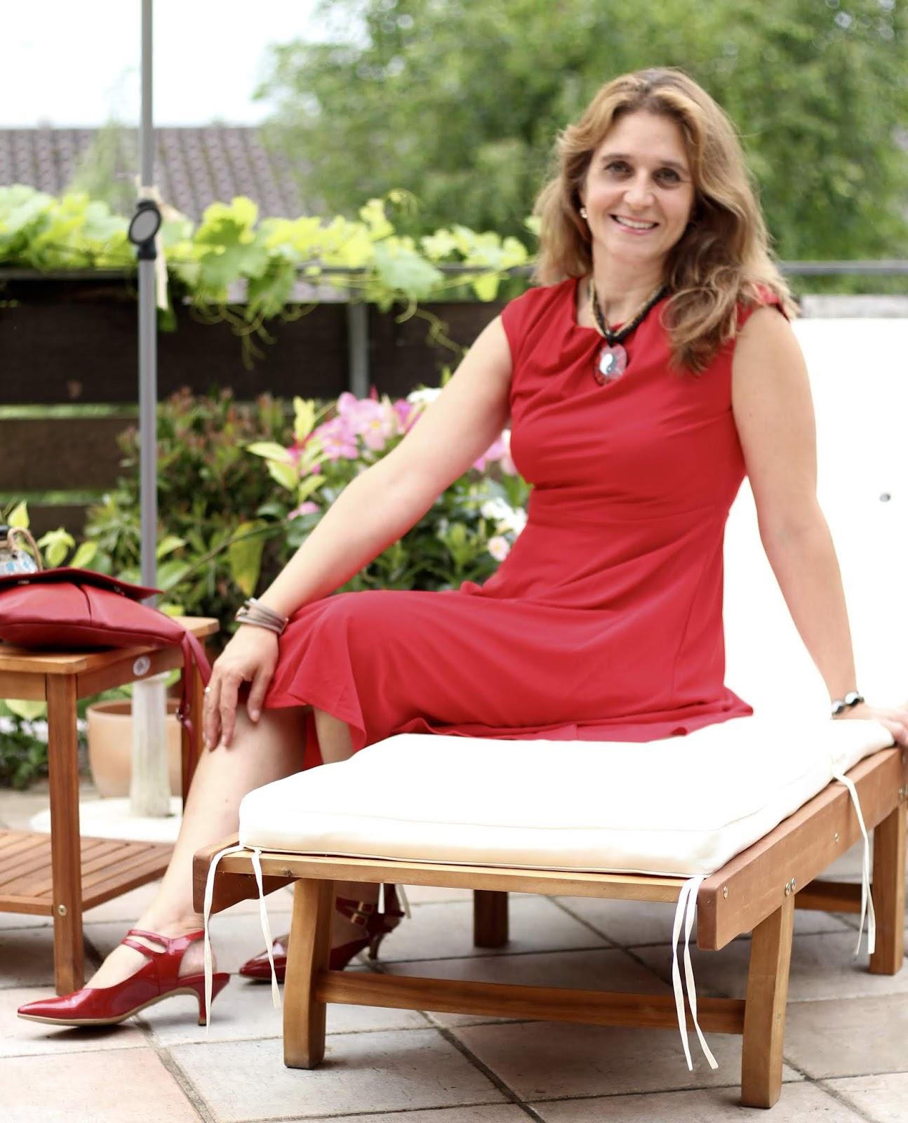 Lady in Red - ein rotes Kleid mit roten Schuhen für das Red Dinner der Rhein-Neckar-Blogger