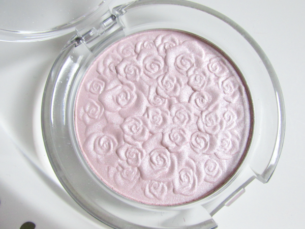 essence Cinderella - Highlighter Powder - 01 The Glass Slipper - 3D Rosenprägung
