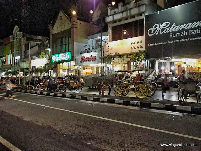 Rua Malioboro e suas charretes, Yogyakarta
