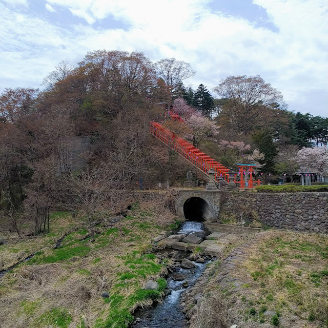 臼田橋 千曲川 稲荷神社