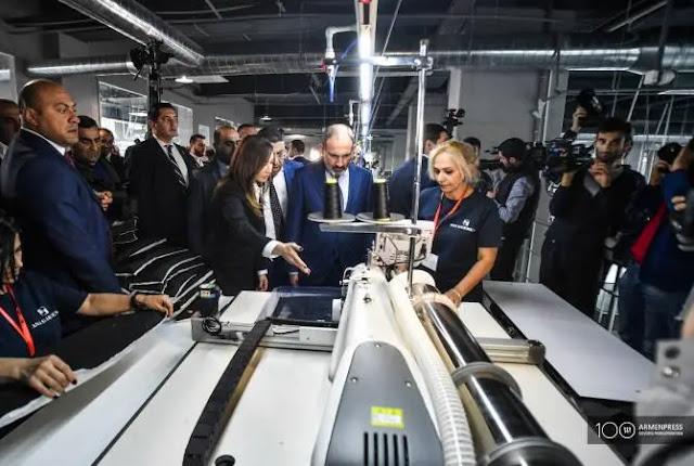 Abren tres fábricas de ropa en Armenia