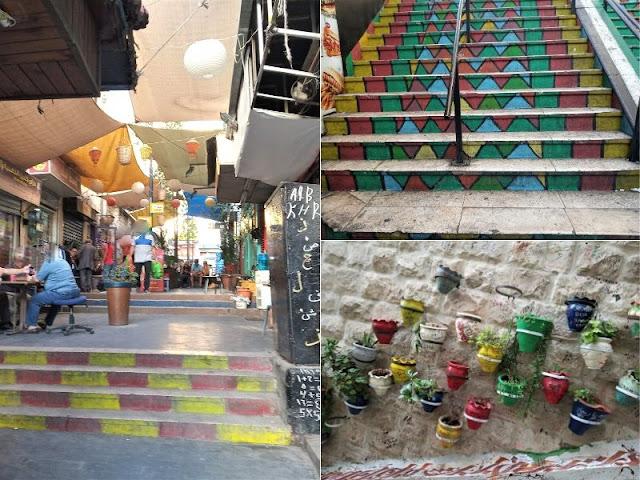 scalinate colorate nel centro storico di amman