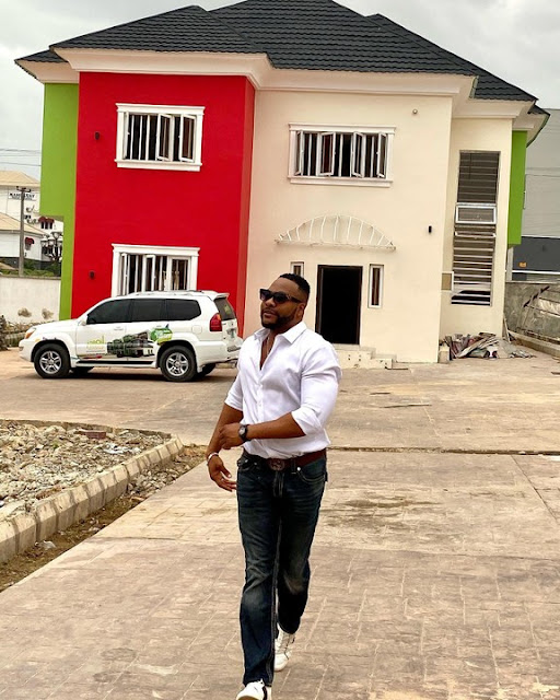 Yoruba Actor Bolanle Ninalowo buys a New House In Ibadan (Photos)