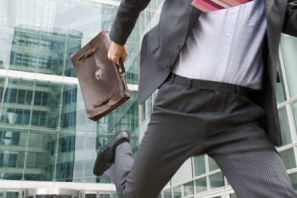 12 Alasan Karyawan untuk Tidak Masuk Kerja