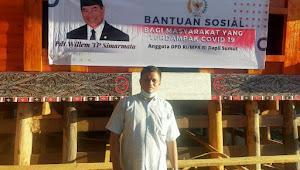 Anggota DPD RI WTP Simarmata Berbagi Sembako Pada Pekerja Penataan Kampung Ulos Hutaraja