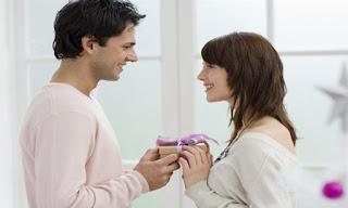 40 Kado Ulang Tahun Unik Untuk Istri Tercinta