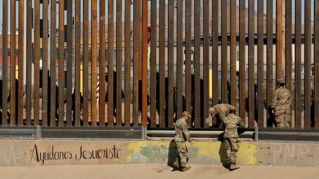"""México, preocupado ante """"la extorsión a migrantes"""" en la frontera a manos de milicias armadas de EE.UU."""
