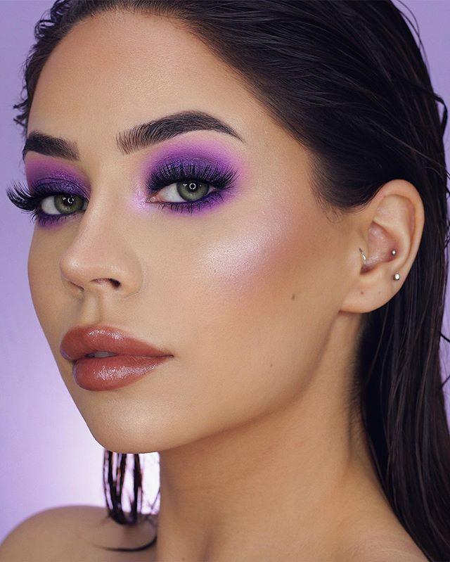 Maquiagem neon sombra lilás