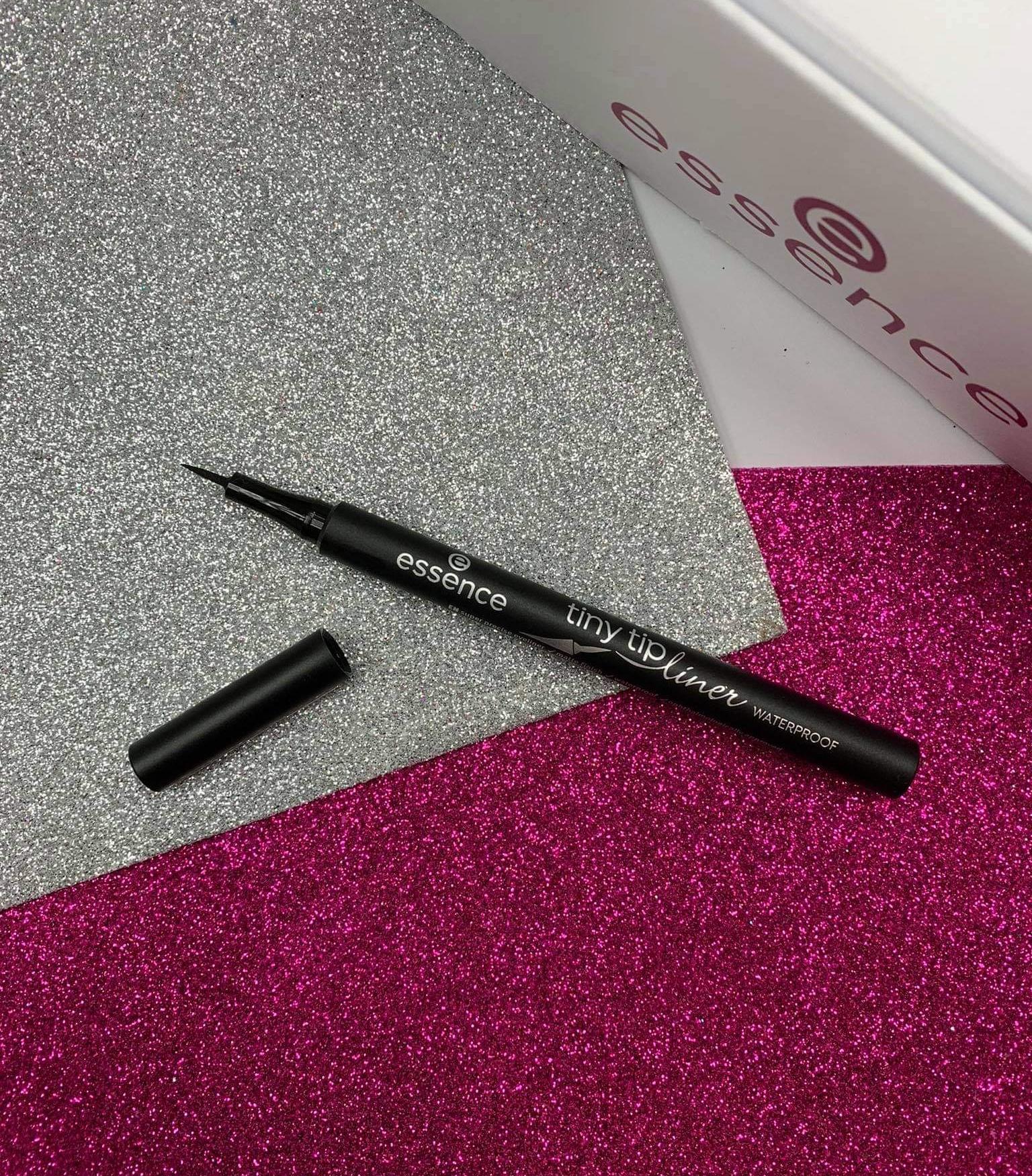 EYELINER tiny tip liner waterproof - wodoodporny eyeliner w pisaku Essence