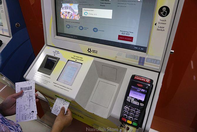 Proses pemesanan dan mencetak tiket kereta api bandara