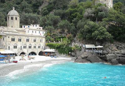 Vacanze in Liguria,luoghi da visitare,abbazia di San Fruttuoso
