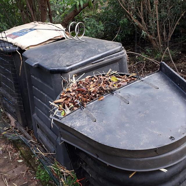 Compost%2Bbins%2BMargaret%2BMossakowska.jpg