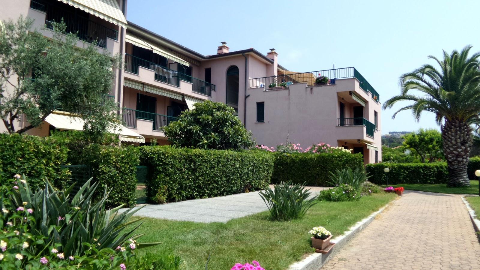 Case in vendita al mare imperia casa in vendita a santo stefano al mare imperia bilocale - Case in vendita grosseto con giardino ...