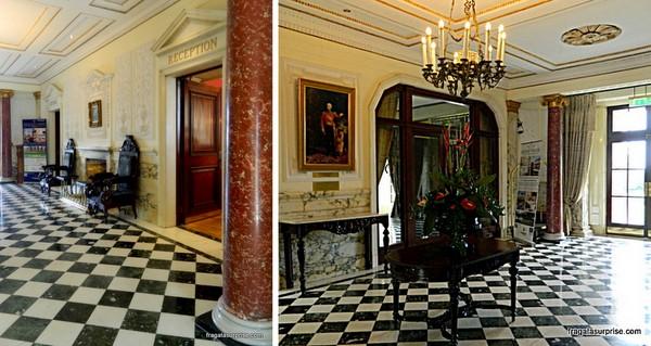 Hall de entrada do Hotel Radisson Blu St Helen's, em Dublin