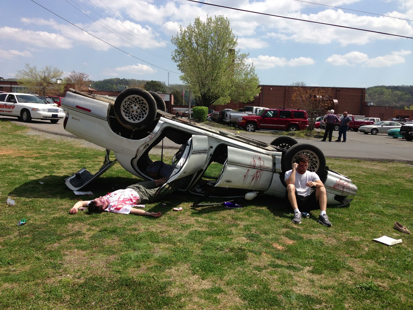 Pictures Of Car Wrecks And Other Gross Things 60