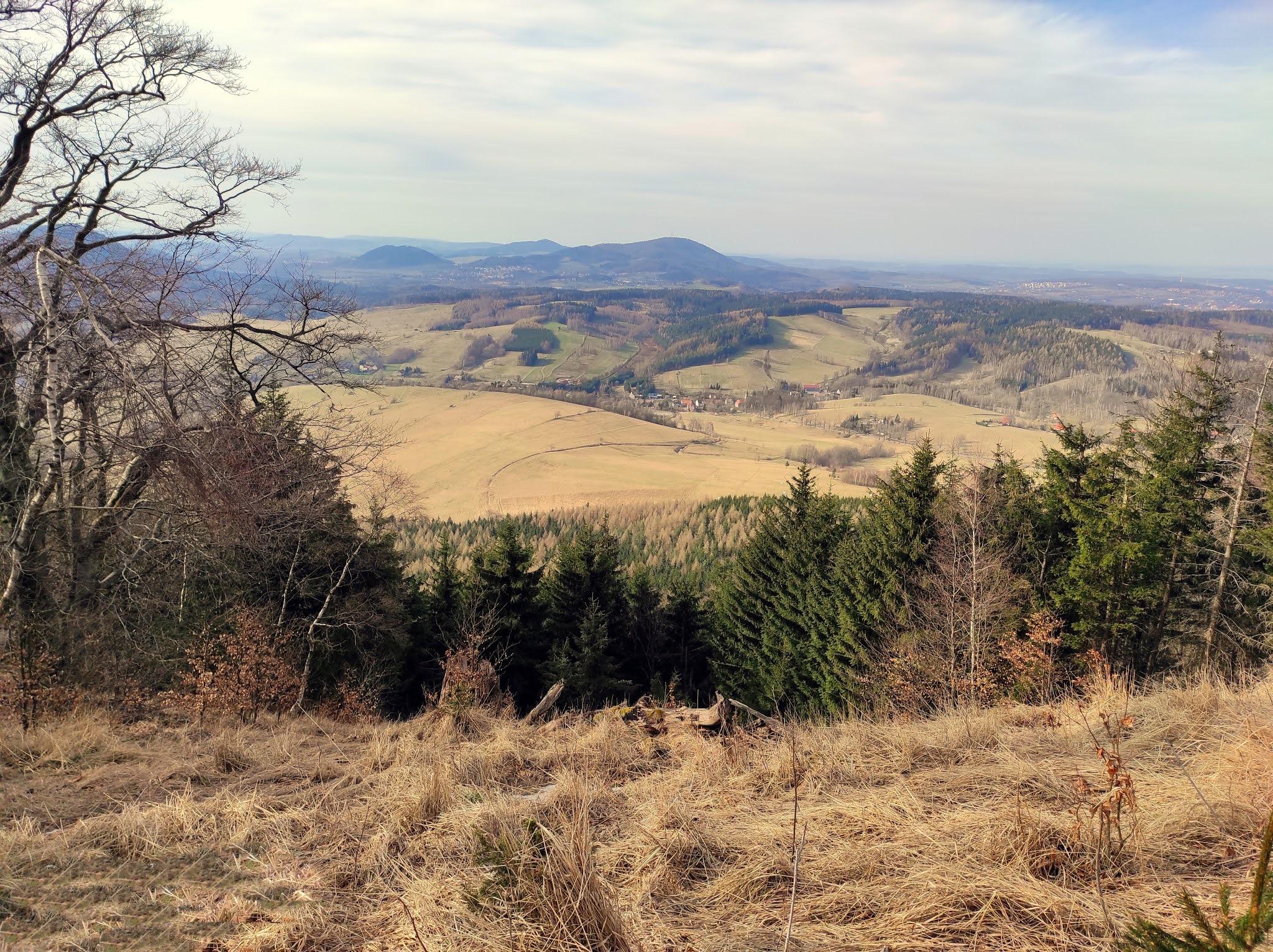 Góry Suche: wędrówka z Unisławia Śląskiego do Andrzejówki i na górę Bukowiec