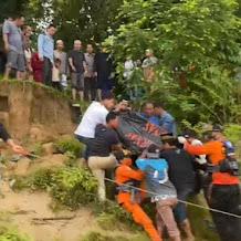38 jam Mayat Midun ditemukan mengambang 100 meter dari tempat kejadian