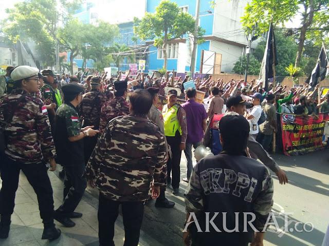 Polisi Bantah Tangkap Mahasiswa Papua di Surabaya