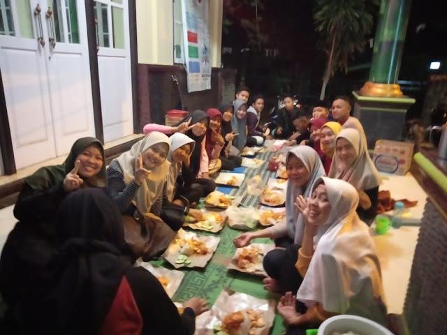 Makan - Makan OSIS SMK Yasmida Ambarawa