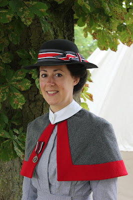 http://misshendrie.blogspot.nl/2017/08/world-war-i-qaimns-nurse-hat.html