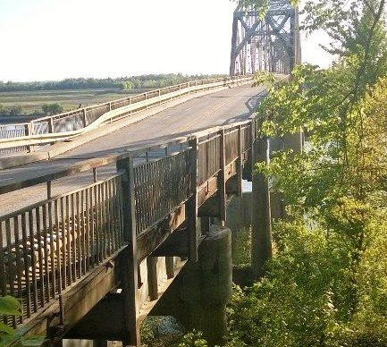 The Press Online: Lane and load restrictions on Smithland