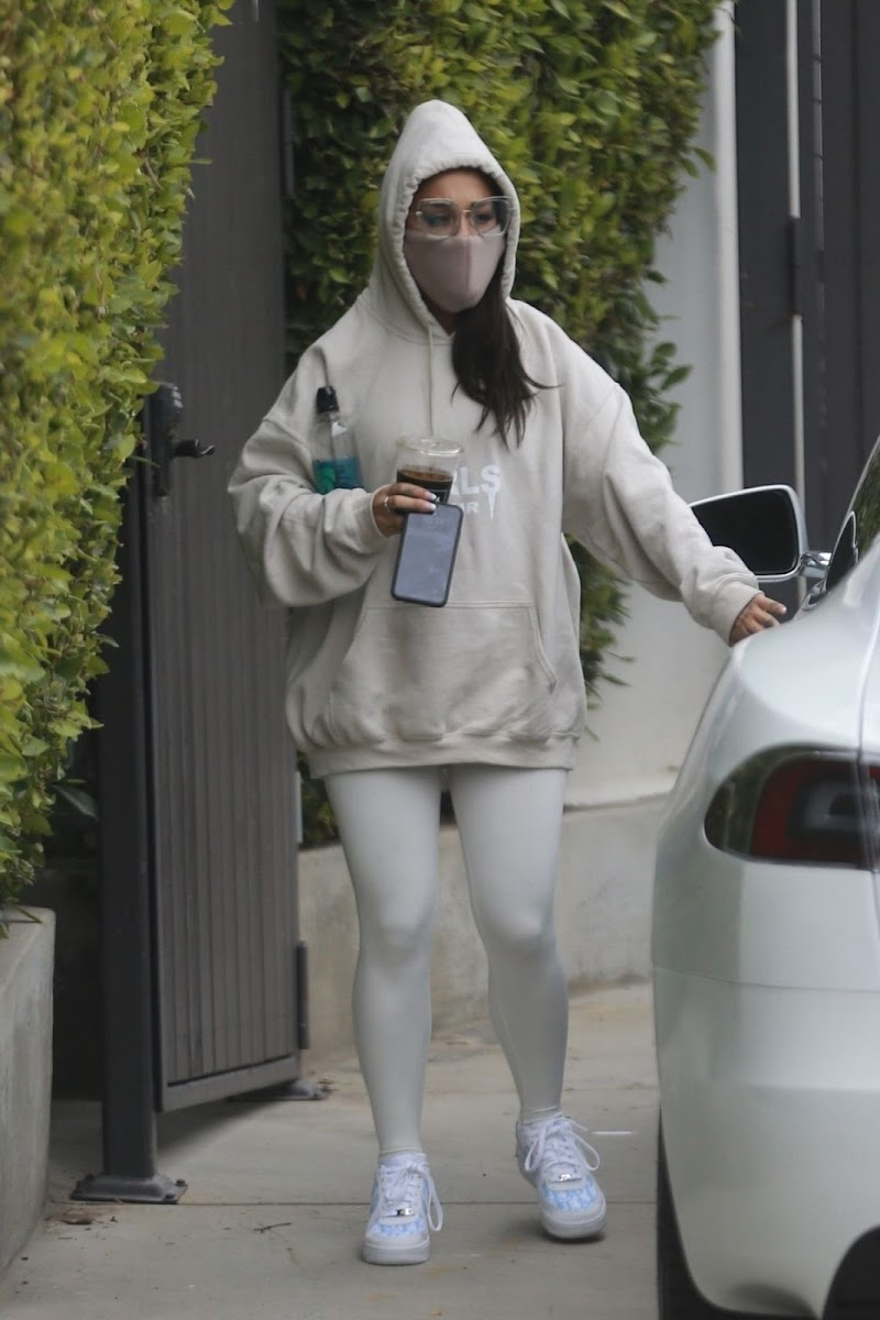 Ariana Grande Snapped While Leaving a Gym in Los Angeles 18 Jun -2020